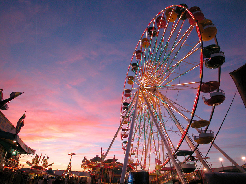 A sunset over the Great New York State Fair midway.